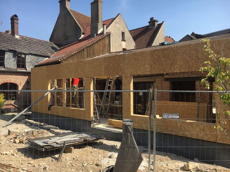 Photo 3 page d'acceuil Elévation des murs à ossature bois terminée